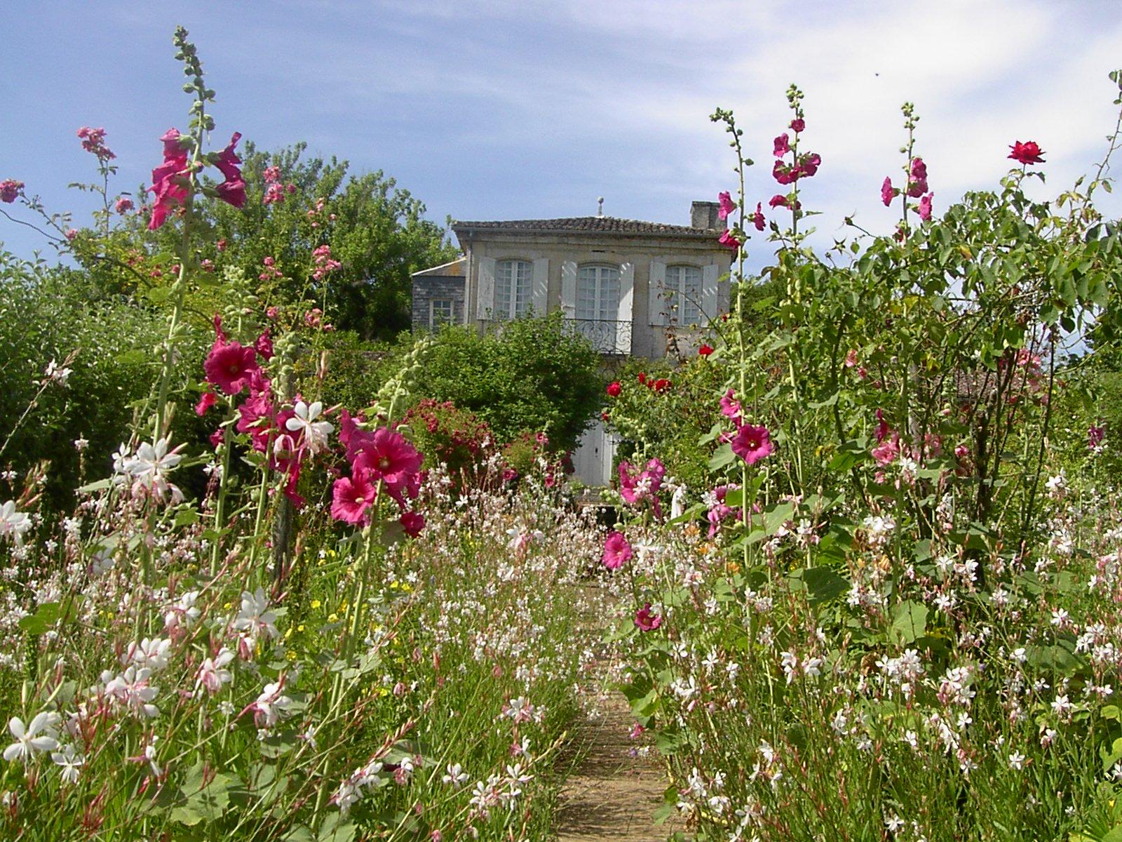Ch teau mongenan festivit s for Jardin d amour wine